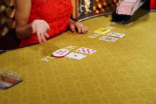 How to Play Baccarat at Live Casinos by Evolution Gaming